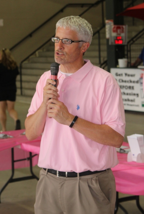 GM Rob Egan promoting the Making Strides jersey auction.